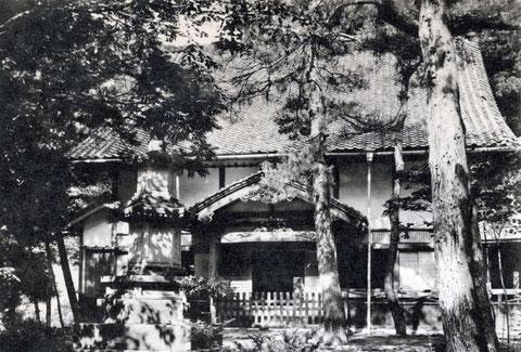 再建新築された孤雲閣・絵葉書(東川寺所蔵)
