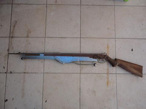 fusil bois à crémaillère?????