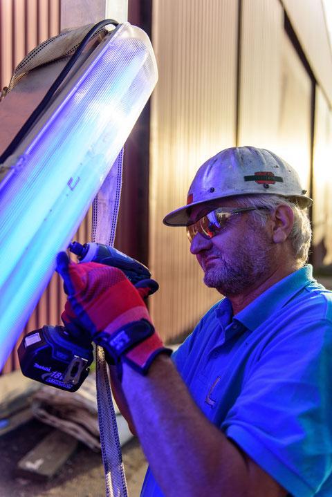 Montage der Leuchtstofflampen