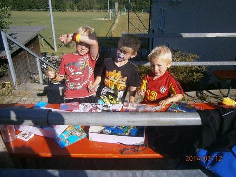 Kinderschminken mit Ferdi, Leon und Josef