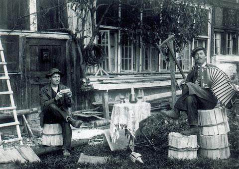 Jakob Mettler-Aubert, 1887-1947 (rechts im Bild)