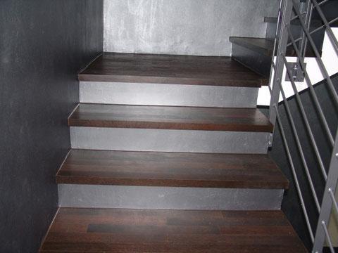 Treppenbelegung Fertigparkett Eiche Noir geölt