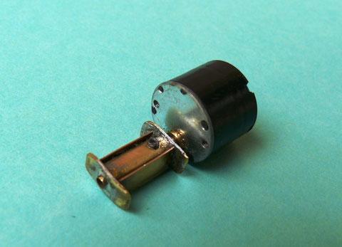 Ein Flachläufergetriebemotor von Lemo Solar mit nur 37 U/min treibt den Oberturas