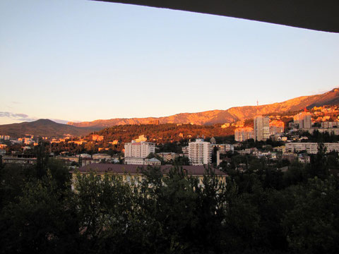 Sonnenaufgang über Jalta