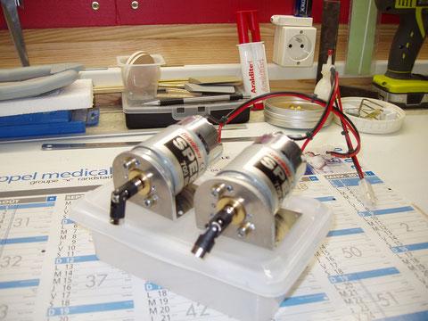 Préparation des deux moteurs speed 700