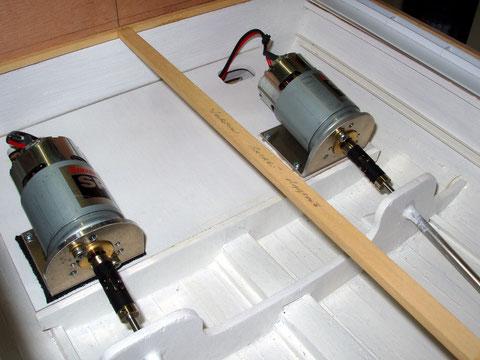 Mise en place moteurs sous le plancher du garage