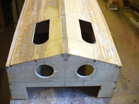Perforation desouvertures destinées à la mise en p lace des propulsions jet