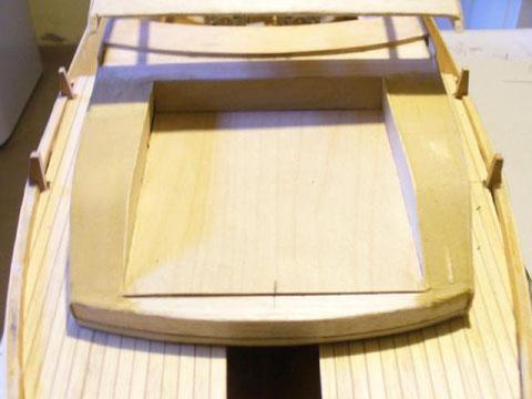 Pose du roof avec la réservation du matelas du bain de soleil avant