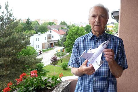 Edi Bayrhuber mit seinem Jet 20