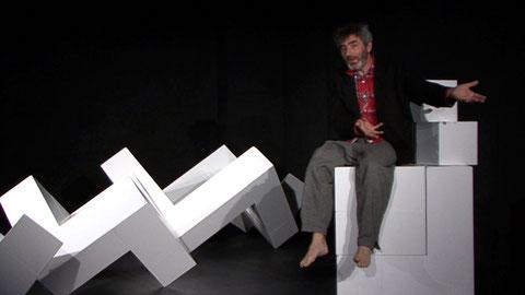 """""""Planung eines Plans"""" (P. Stamm)Uraufführung Kellertheater Winterhur (Regie: M.A. Bosshard) mit: Kaspar Lüscher"""