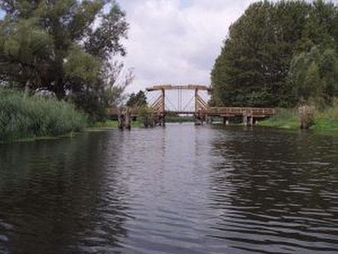 Historische Holzbrücke bei Nehringen