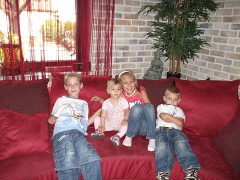 Kevin, Emily, Lisa und Julian  - Foto vom 04.10.2012
