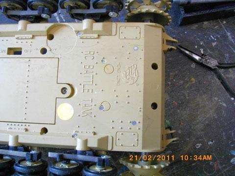 Die Getriebe wurden ca 3mm angehoben und in der Bodenpl. verschraubt