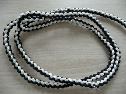 Rundgeflochten, black & white