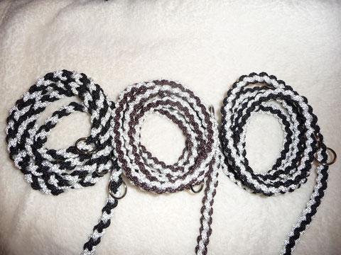 2 x Schwarz-weiß und braun-weiß, jeweils rundgeflochten
