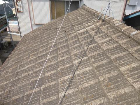 経年劣化したコンクリート瓦屋根