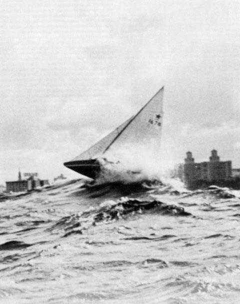 Az egyik leghíresebb sztáros fotó az 1946-os havannai VB-n készült az 1678. számú Nashiráról