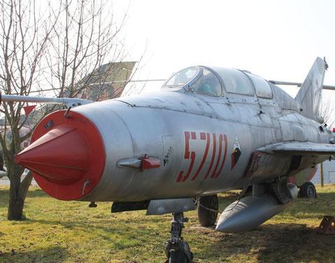 MiG21UM 5710-2