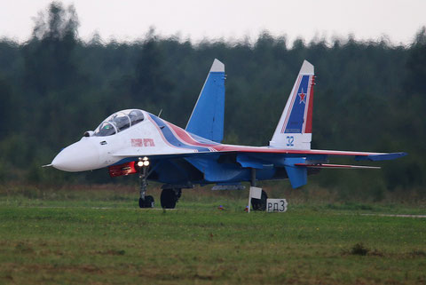 "SU 30SM "" 32 ""  RF-81703 Russian Air Force / Russian Knights -2"