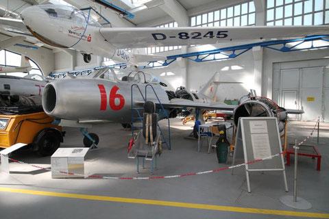 "MiG 15UTI "" 16 "" -1"