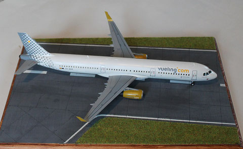 "A 321 "" EC-MHS "" Vueling Airlines   Revell    1 / 144 -1"