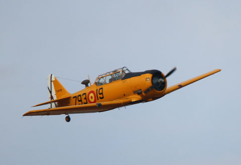 """T-6G Texan """" EC-DUN """"  Fundación Infante de Orleans -3"""