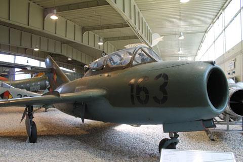 MiG15UTI 163-2