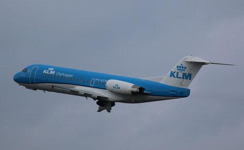 """Fokker F-70 """" PH-KZM """" KLM Cityhopper-2"""