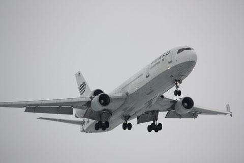 MD11 N271WA-2