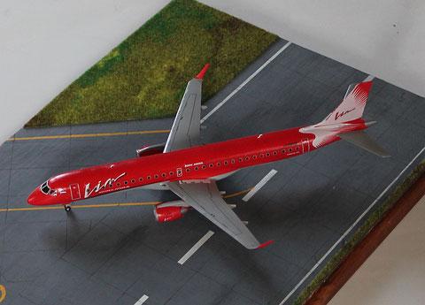"""ERJ-195-200LR  """" G-FBEE """"  VIM Avia  Revell  1/144 -3"""