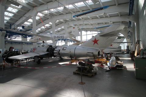 "MiG 15UTI "" 16 "" -2"