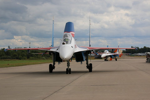 "SU 30SM "" 33 ""  RF-81704 Russian Air Force / Russian Knights -3"