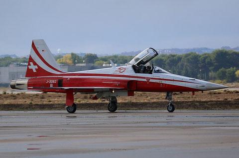 F5 J-3082-4
