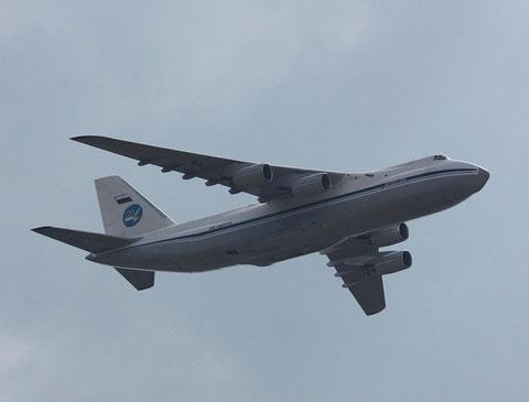 AN124 RA-82013-2