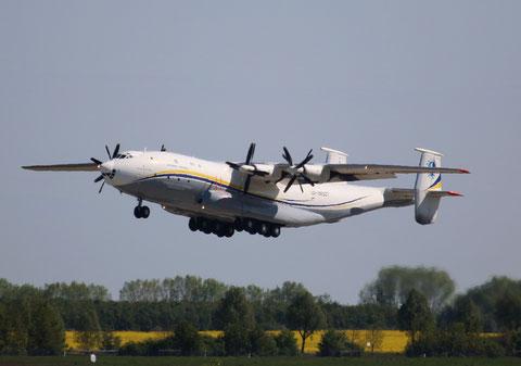 """AN 22A  """" UR-09307 """"  Antonov Airlines -4"""