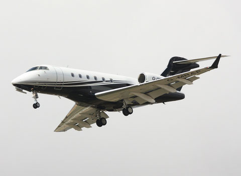 "Bombardier BD-100-1A10 Challenger 300  ""G-MRAP"" London Executive Aviation -1"