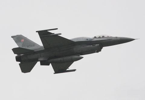 F16 4044-1