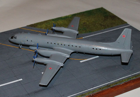 IL-20M  Eastern Express  1/144 -3