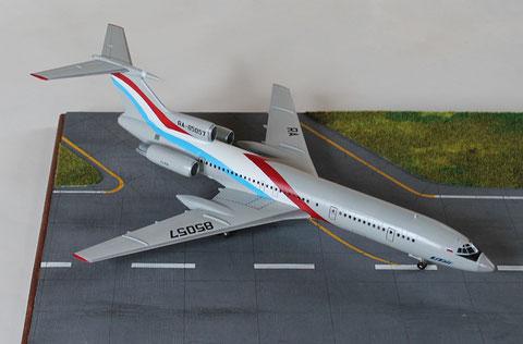 """TU 154M """" RA-85057  Utair  """" Zvesda 1/144 -4"""