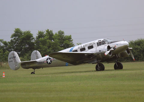 "Beechcraft C-45H Expeditor "" G-BSZC "" -1"