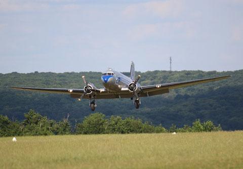"DC-3 ( C-47A Skytrain )  "" F-AZTE ""  -2"