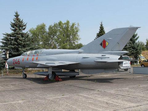 """MiG 21US """" 246 """" NVA -2"""