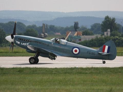 Spitfire PS915-4