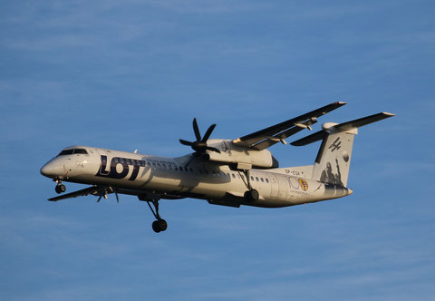 "DHC-8-402 Dash 8 "" SP-EQK ""  Lot -1"