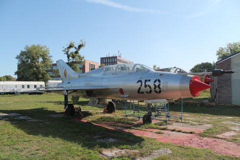 """MiG 21U-400 """" 258 """" NVA -2"""