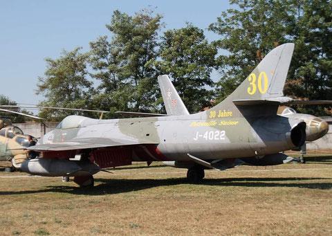 Hunter J-4022-2