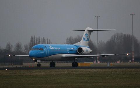 """Fokker F-70 """" PH-KZM """" KLM Cityhopper-1"""