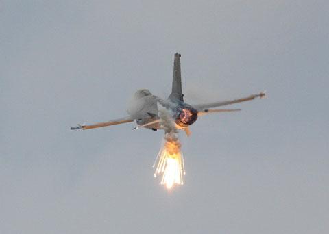F16 E-597-4