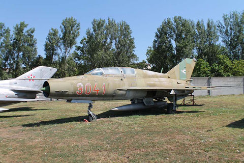 "MiG 21UM  "" 3041 ""  Hungarian Air Force -2"