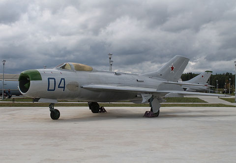 "MiG 19P  "" 04 ""  Russian Air Force -1"